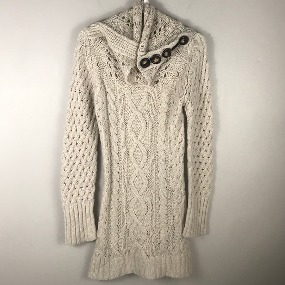 b19d7dd414f Free People Dresses   Skirts - Free people oatmeal cable knit sweater dress  M